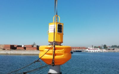 Deployment of an instrumented buoy in Qinhuangdao, China